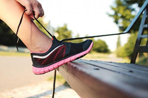 Kako izbrati prave tekaške čevlje?