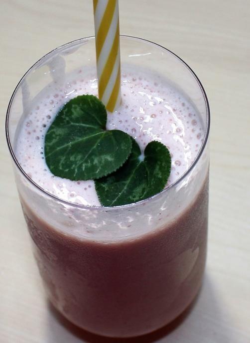 Zdrav jagodni smoothie