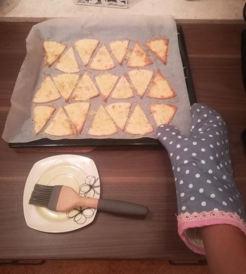 Hitri tortilja prigrizek s sirom