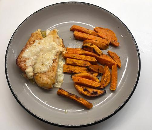 Gratinirana piletina sa slatkim krumpirom iz pećnice