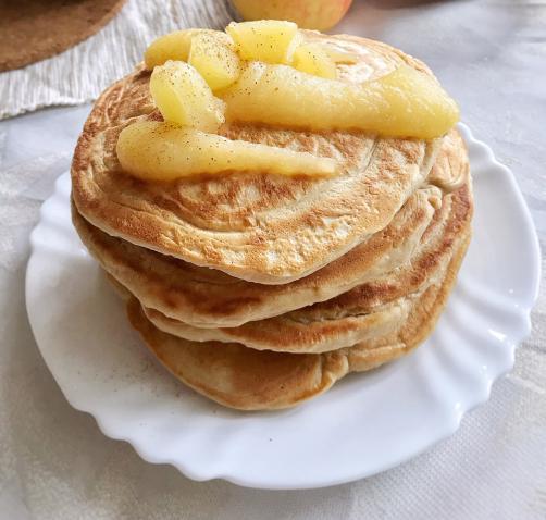 Pirine debele palačinke z jabolko