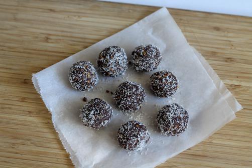 Čokoladne arašidove proteinske kroglice