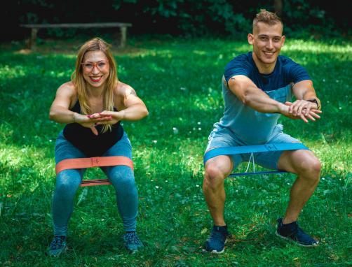 6 učinkovitih vaj za trebuh, noge in zadnjico
