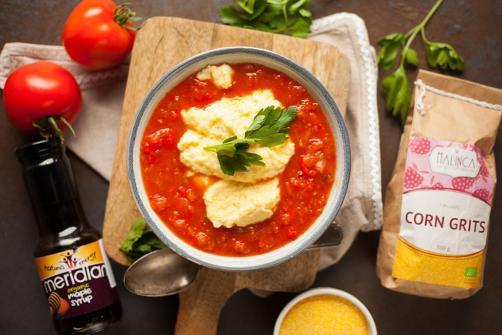 Kremna polenta in paradižnikova omaka