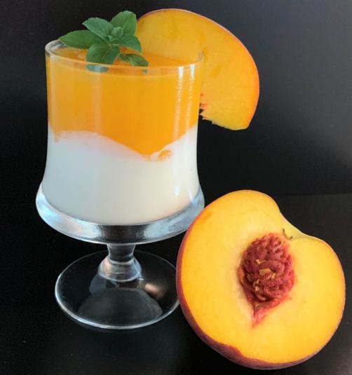 Jogurtova krema z breskvami