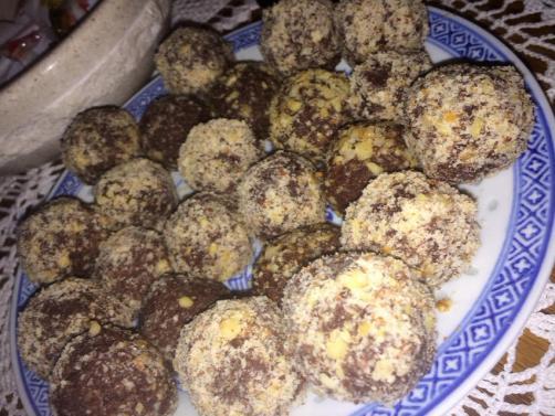 Preproste in zdrave Ferrero Rocher kroglice