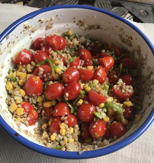 Salat mit Buchweizenbrei