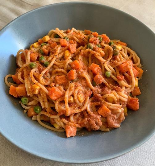 Špageti s proteinsko omako