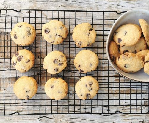 Erdnuss Cookies mit Schokolade