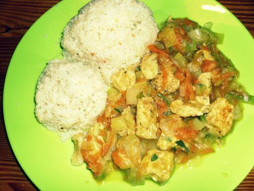 Curry piščanec s porom