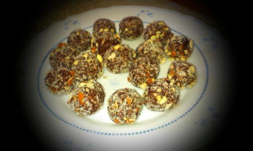 Kokosovo-mandljeve kroglice