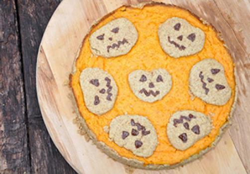 Bučno pomarančna pita za noč čarovnic