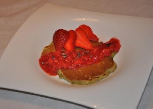 Konopljine palačinke s jagodama