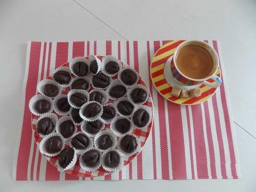 Tvojih 5 sladkih minut: presna kavna zrnca