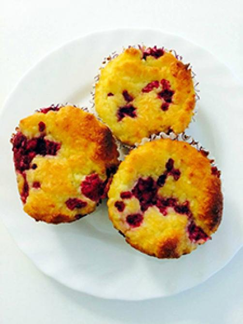 LCHF muffini z malinami