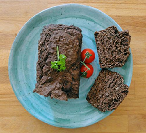 Aromatičen kruh z rožičevo moko