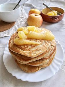 Pirove debele palačinke s jabukom