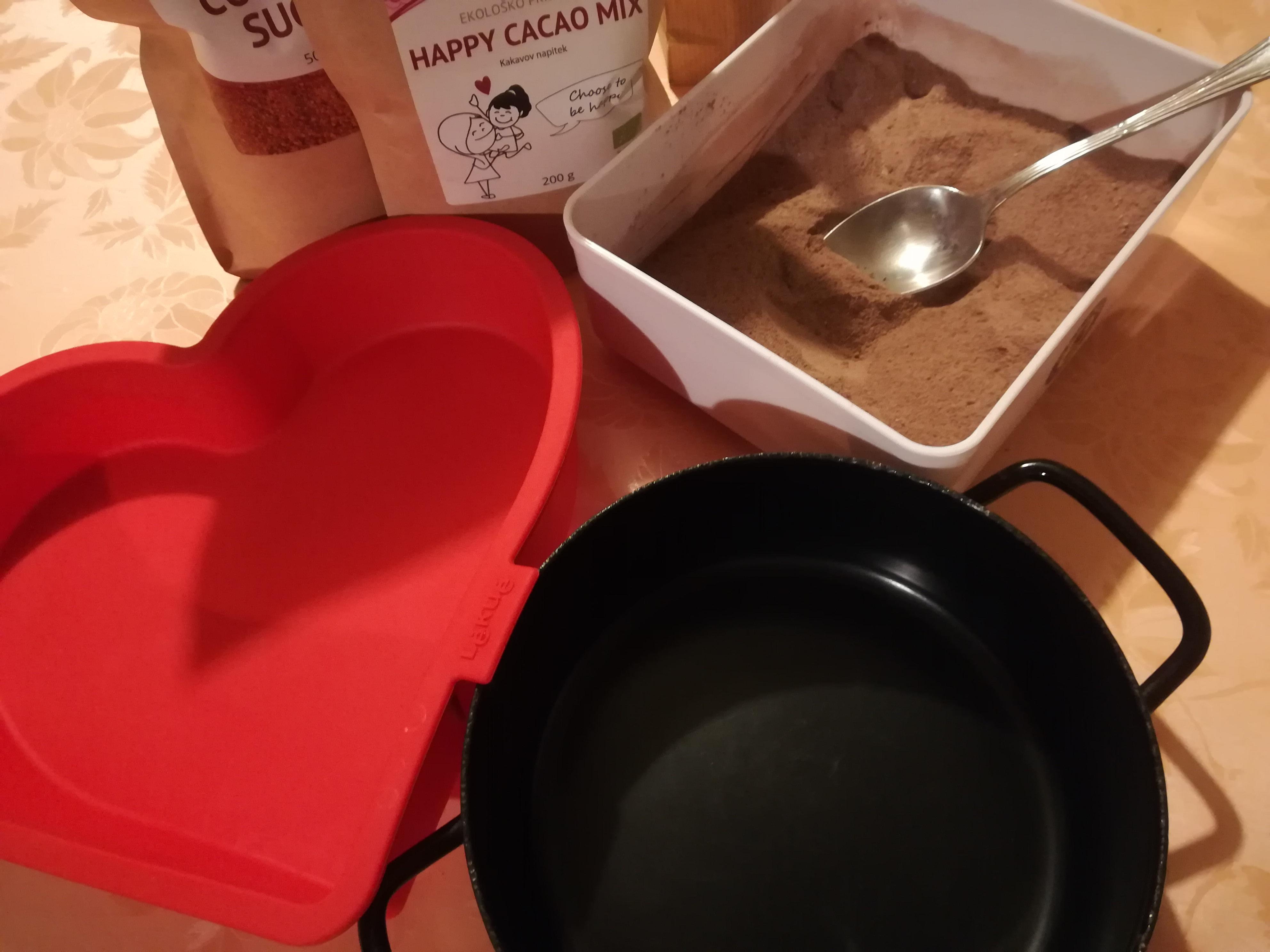 Čokolada pripravljena v EMO posodi