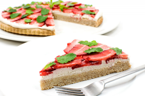 Vegan-strawberry-cocos-shortcake-piece