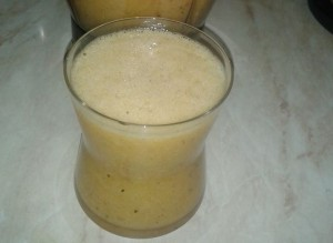 Smoothie pomaranča in goji