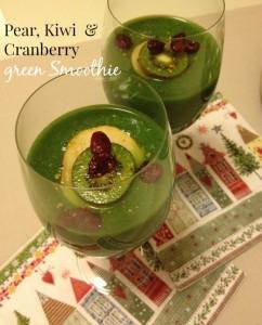 Zeleni smoothie s hruško, kivijem in suhimi brusnicami