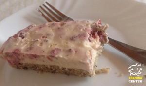 Poletna jagodno-smetanova torta