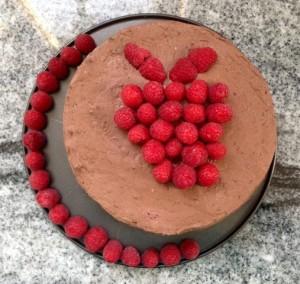 Čokoladna torta z malinami