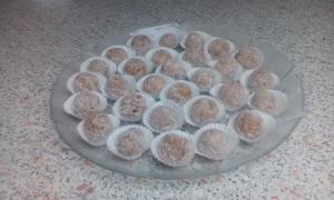 Lešnikovo kokosove kroglice