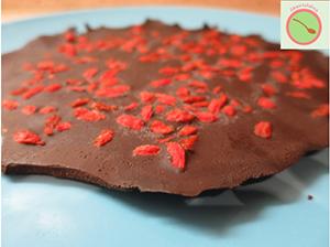 Presna čokolada z goji jagodami300x225