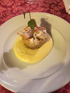 Jabolčni mošnjički z vanilijevo omako300x225