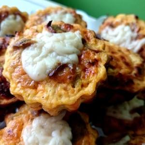 Zdrava pica-muffin z šampinjoni