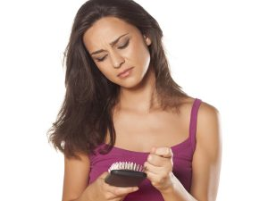 Kaj narediti proti izpadanju las