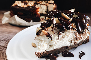 Snickers cheesecake300x200